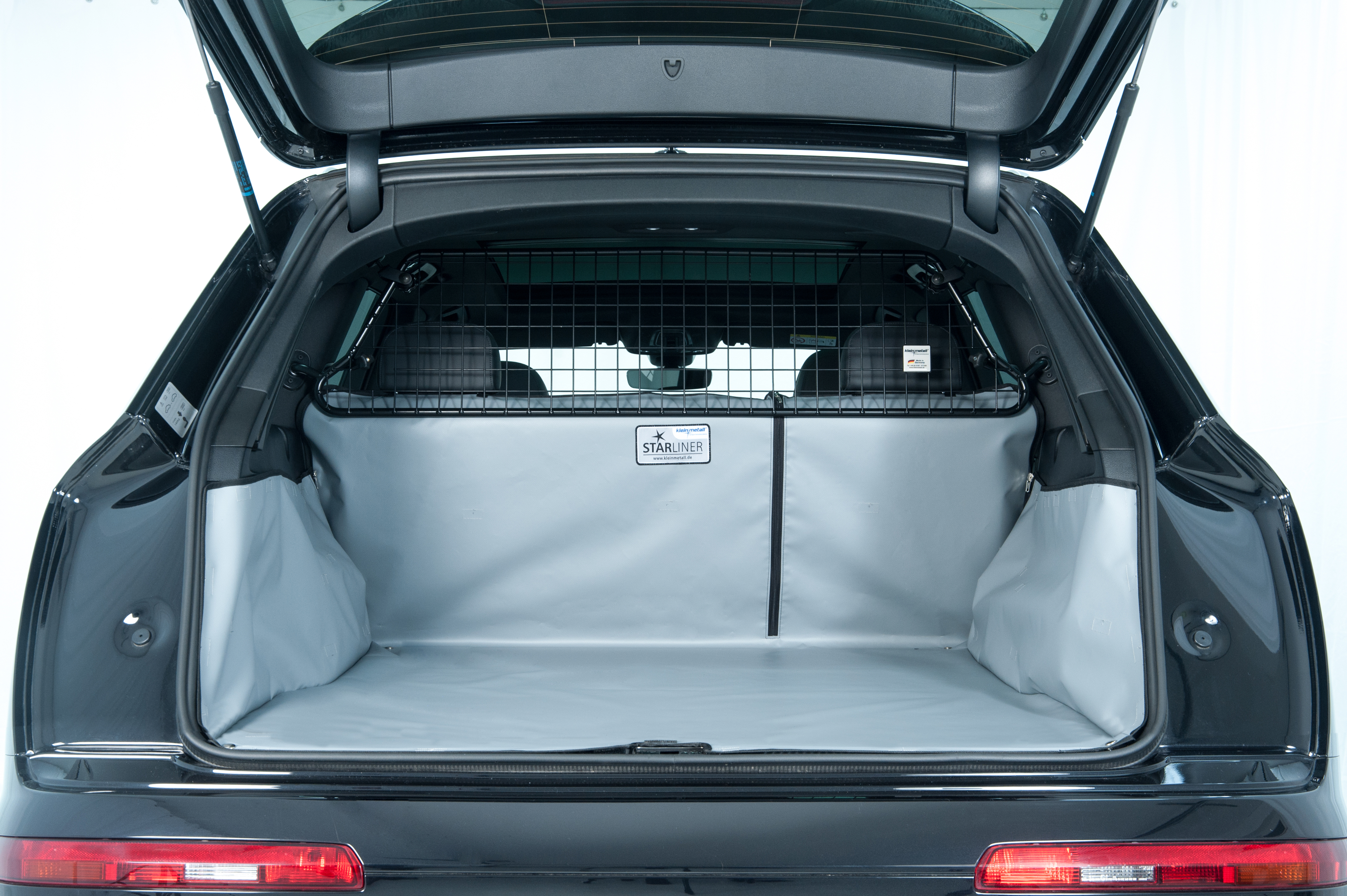Gummierte Kofferraumwanne für Citroen C4 Cactus Shine Steilheck Geländewagen SUV